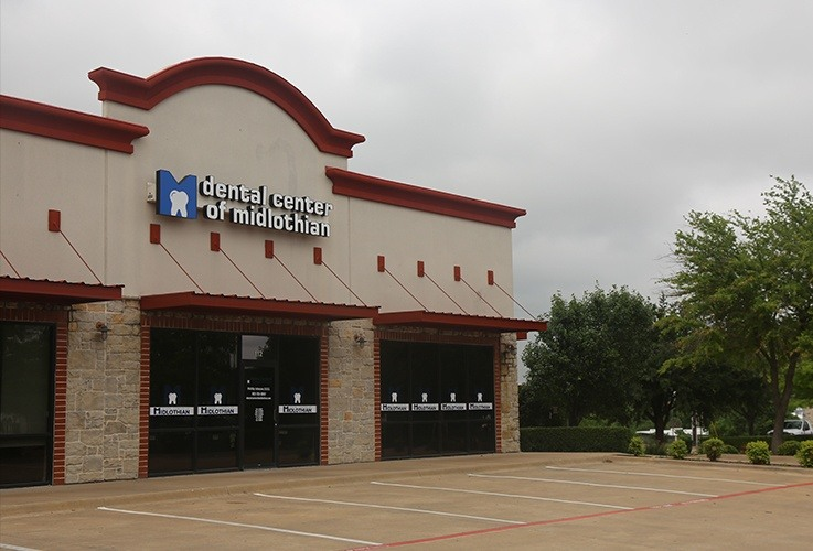 Dental Center of Midlothian office building